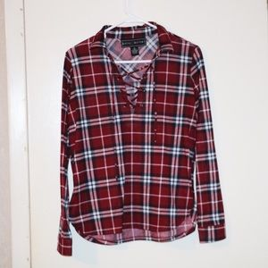 Women's long sleeve plaid top with neck detail M